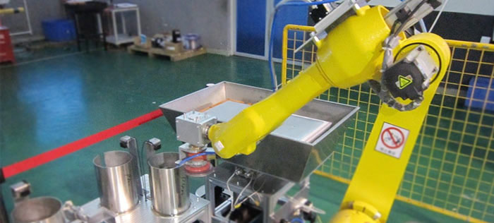 六轴机器人实现电脑外壳打磨抛光工作站