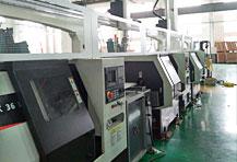 多机连线自动化生产线,数控机床多联机机械手